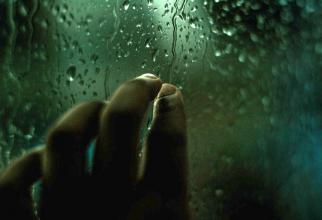 Artrita deformează articulațiile și dă mari dureri, dar aceste anu sunt legate de ploaia care va să  vină, sau de vreme în general