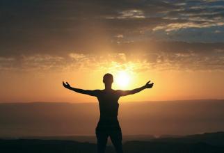 Gândurile negative ne fac rău, iar dacă le diseminăm îi pot afecta și pe alții
