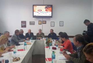 Col.dr. Alexandru Keresztes, comandantul SMU Brașov (centru), a explicat ce festivități vor avea loc astăzi și mâine