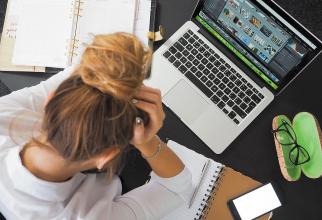 Sindromul burnout, asociat stresului la locul de muncă  FOTO: pexels.com