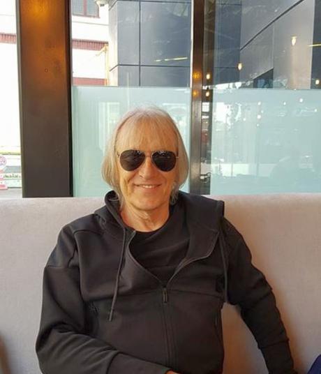 Cântărețul și compozitorul Mihai Constantinescu a făcut un al treilea stop cardiac
