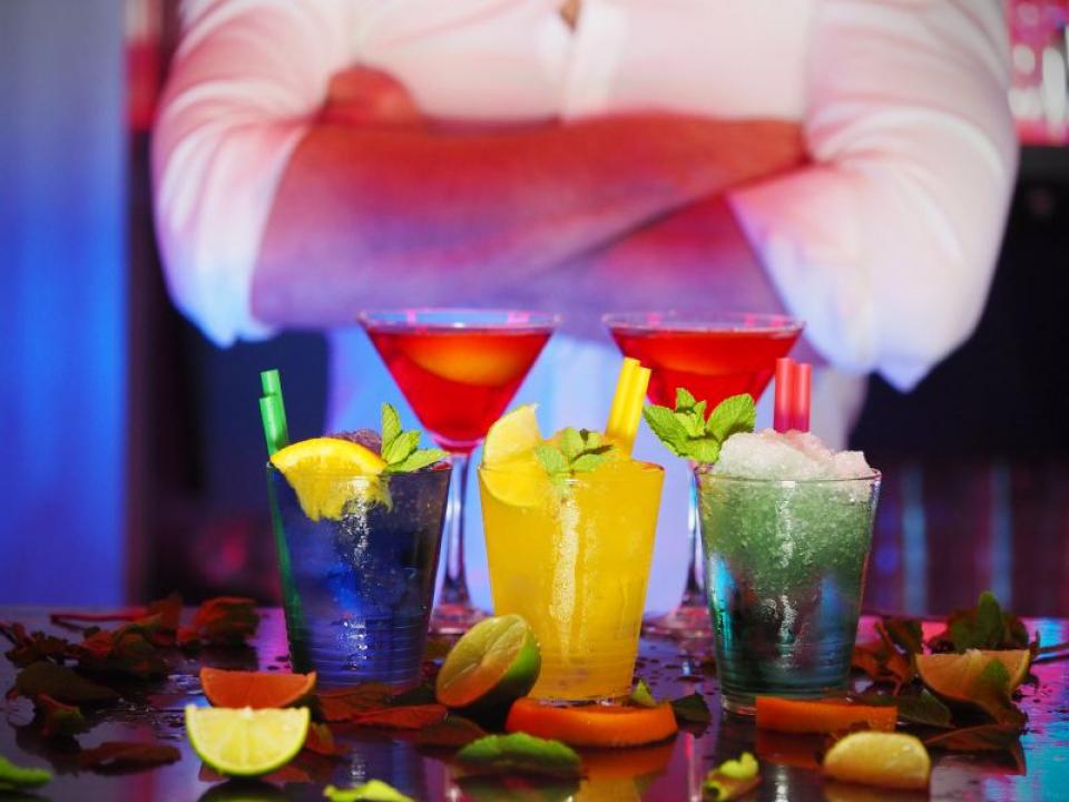 Renunțarea la alcool aduce o stare mentală mai bună   FOTO: pexels.com