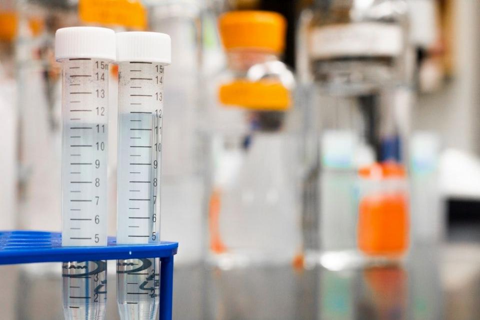 Analizele făcute au arătat că 4 angajate de la Maternitatea Giulești sunt infectate cu slafilococ auriu MRSA