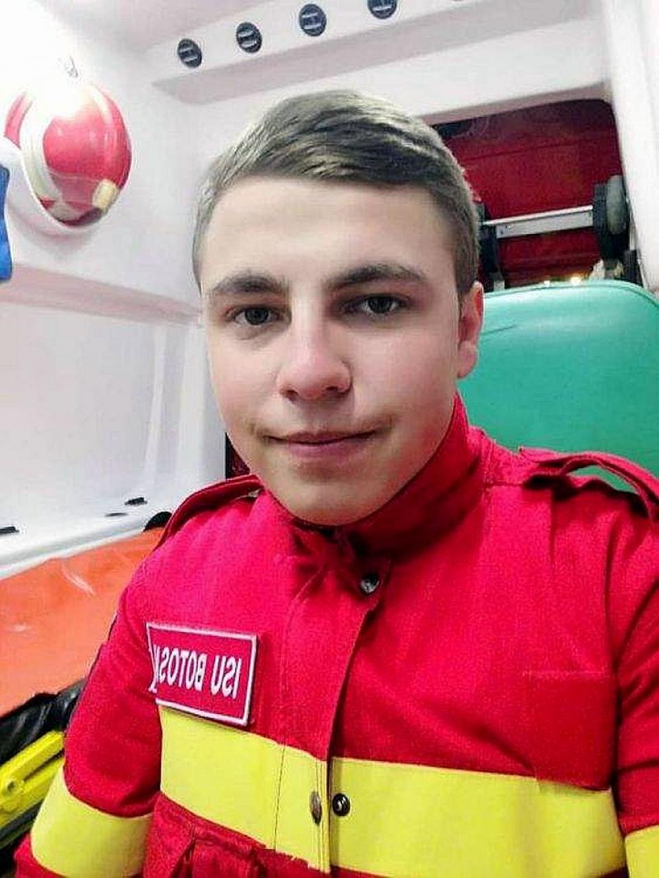 Andrei Olariu, eroul voluntar de la SMURD Botosani: când alți tineri se distrau, el salva viața unui om abandonat la marginea drumului. Foto: Botosaneanul.ro
