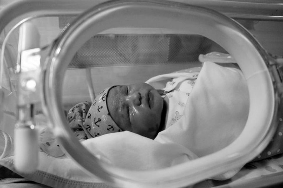3 bebeluși au făcut infecție cu stafilococ auriu, dar din cauza datelor de internare ar putea să nu fie considerați cazuri de infecții nosocomiale