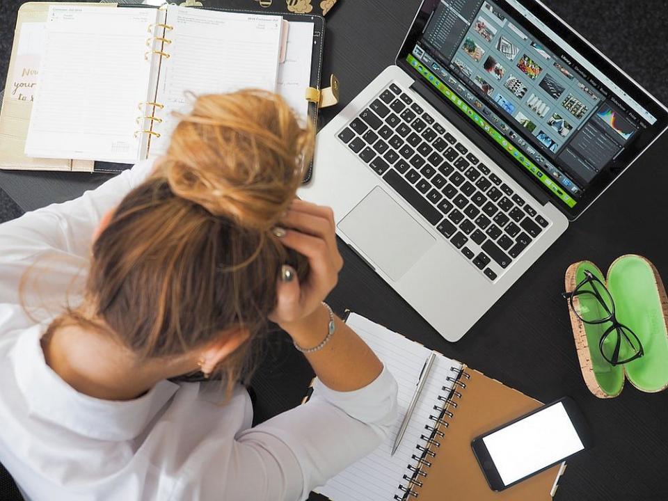 Durere de cap  FOTO: pexels.com