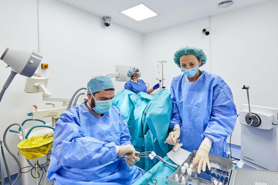 Brahiterapia de tip HDR se preteaza pentru tratamentul in cancere ginecologice. Foto: Sanador
