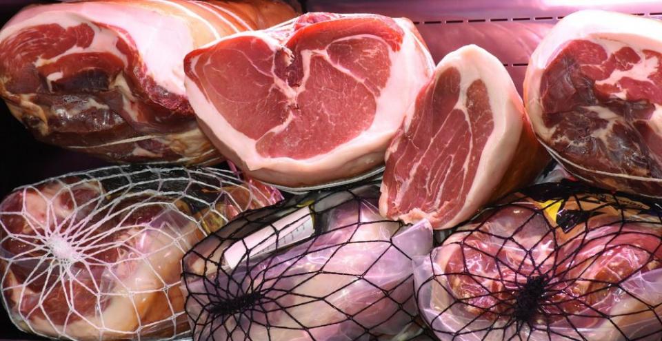 Carnea rosie și carnra albă duc la creșterea colesterolului