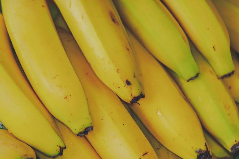 Bananele sunt recomandate de medici când aveți un stomac deranjat   FOTO: pexels.com