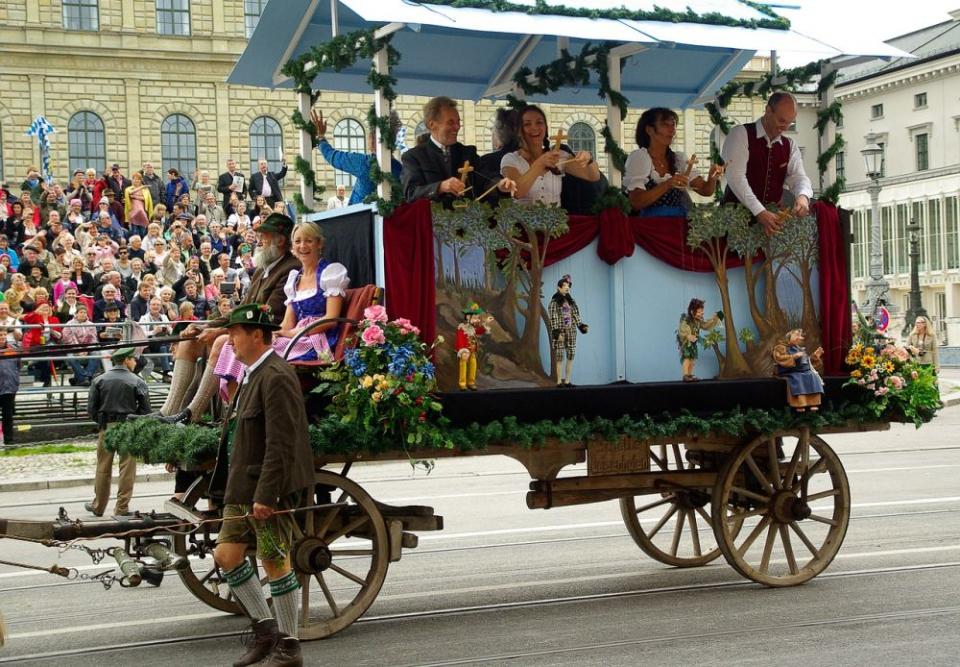 Mii de participanți la Oktoberfest de la Munchen au fost testați pentru boli de piele