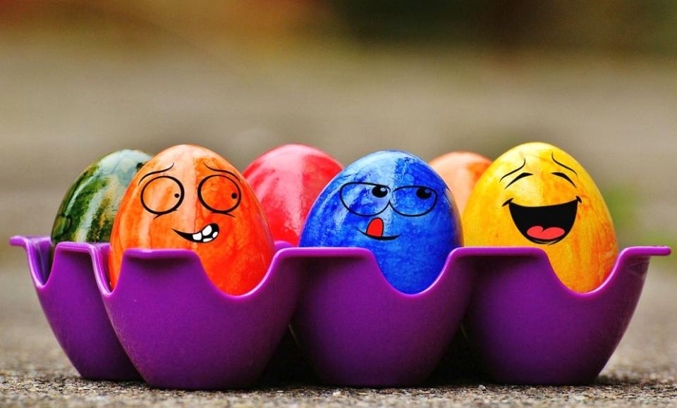 Când cumpărăm vopsea pentru ouă ar trebui să citim eticheta ca să vedem câți aditivi are