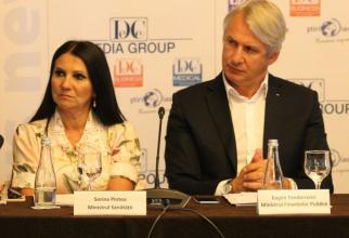 Miniștrii Sănătății, Sorina Pintea, și Finanțelor, Eugen Teodorovici  FOTO: DC Media Group