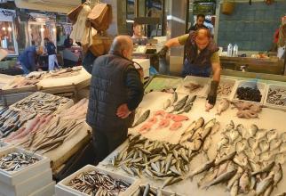 Orice fel de pește, mâncat de trei ori pe săptămână, reduce riscul de cancer colorectal