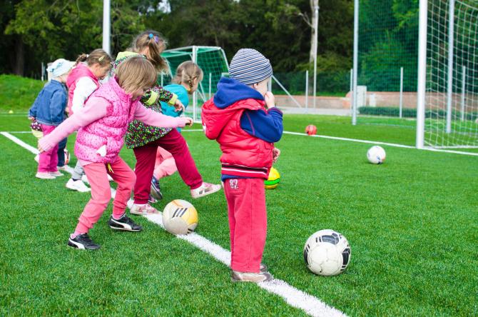 Activitatea fizică în copilărie aduce beneficii în adolescență   FOTO: pexels.com