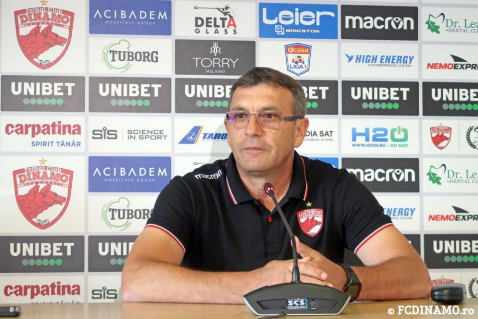 Tehnicianul Dinamo, Eugen Neagoe, a leșinat în timpul meciului. Foto: Facebook/Dinamo.ro