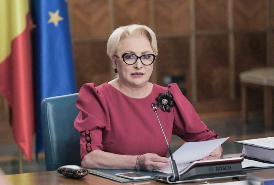 Premierul Viorica Dăncilă vrea musai demisia de la Răzvan Vulcănescu, președintele CNAS. Foto: gov.ro