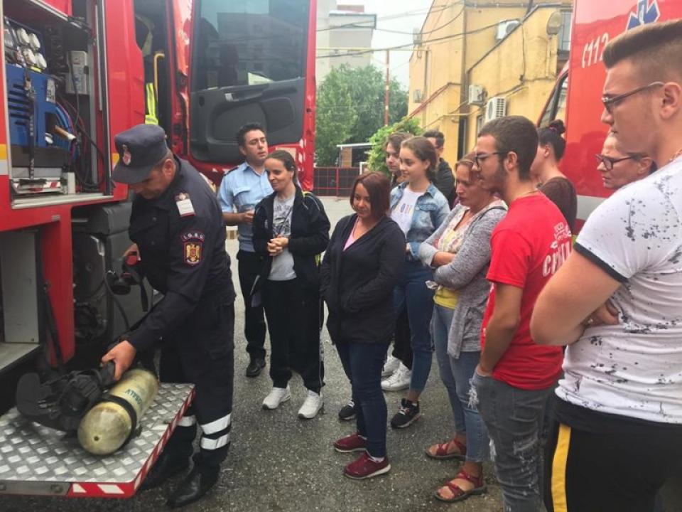 Cei 12 voluntari din Teleorman  FOTO: ISU Teleorman