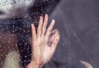 Sindromul inimii frânte poate fi declanșat de pierderea cuiva drag