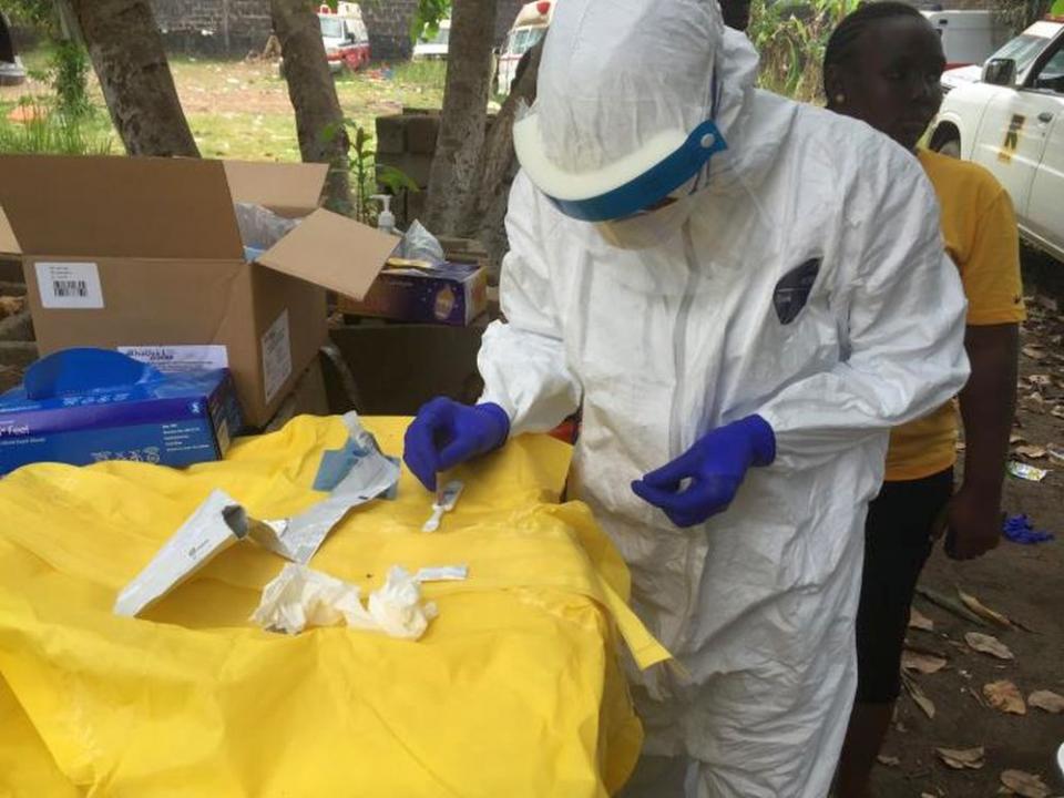 În Congo este epidemie de Ebola. Foto: CDC /John Saindon