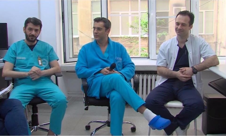 Trei din cei 4 specialiști ai Heart Team, de la stânga la dreapta: dr Sebastian Botezatu, dr Dragoș Săvoiu și dr Tudor Păduraru. Foto: DC MEDICAL
