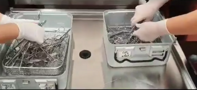 Instrumente medicale sterilizate    Foto: SUUB