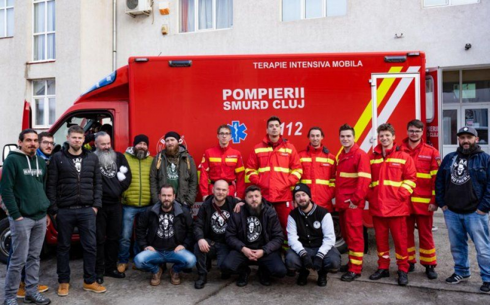 Ambulanța donată  FOTO: Facebook Beard Brothers