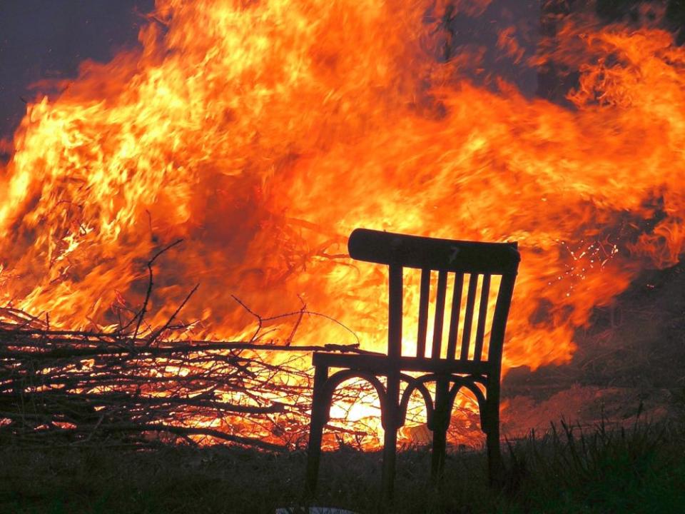 Incendiile de vegetație poluează atmosfera, iar oamenii care trăiesc în respectivele regiuni fac afecțiuni respiratorii