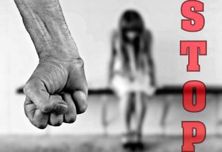 Violenta asupra femeilor este o incalcare a drepturilor omului, se arată în declarația comună a celor 27 de ambasade