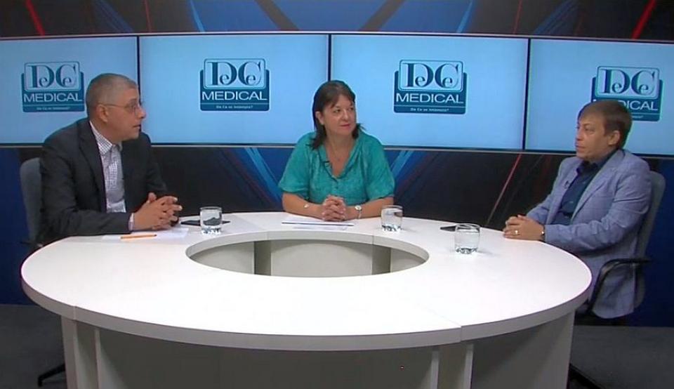 Realizatorul emisiunii, Val Vâlcu, alături de dr Gabriela Radulian și Radu Gănescu. Foto: DC Medical
