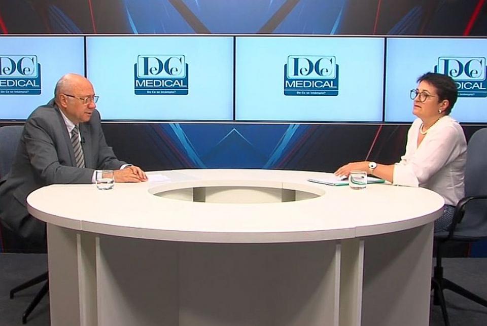 Academicianul dr Irinel Popescu și dr Mădălina Grigoroiu, la Academia de Sănătate