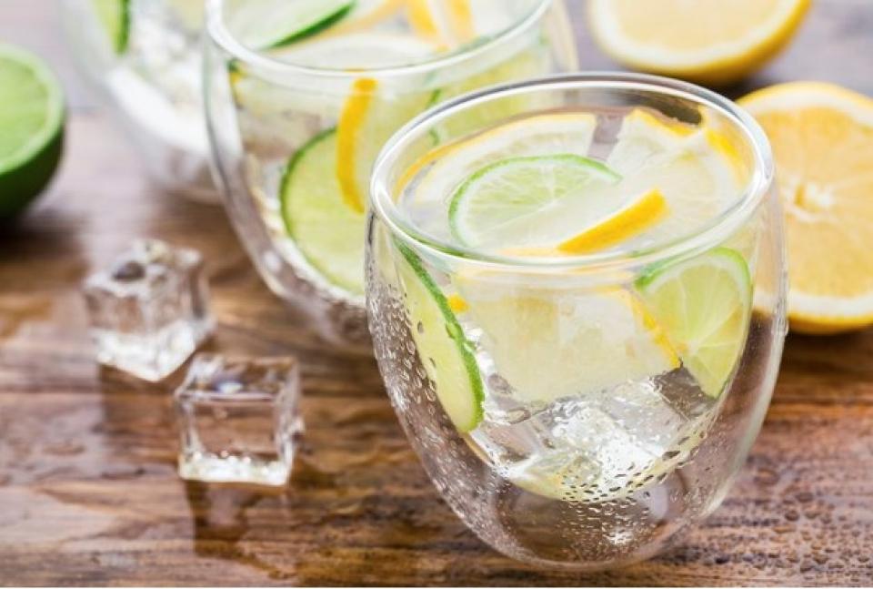 Dieta cu apă și lămâie poate fi periculoasă