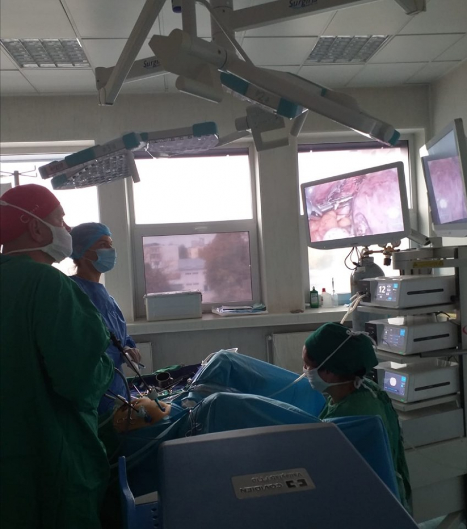 Chirurgie laparoscopică     Foto: SJU Baia Mare