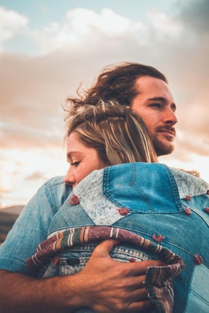 Anxietatea de abandon este frica de a fi abandonat într-o relație.FOTO NeONBRAND Unsplash
