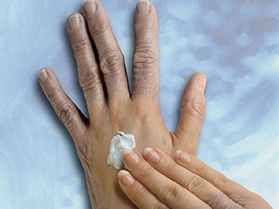 Crema de mâini    Sursa foto:https://medicalxpress.com