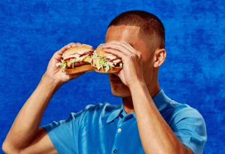 Burgerul nu conține niciun fel de urmă de proteină animală, dar are gust de carne