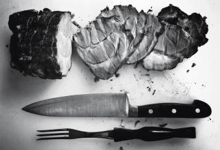 Nouă persoane din Alba s-au îmbolnăvit de trichineloză după ce au consumat carne infestată de la un porc crescut în gospodăria proprie. Foto Unsplash.