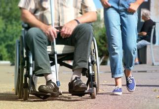 Persoanele cu dizabilități, tratate inuman de angajații unor centre