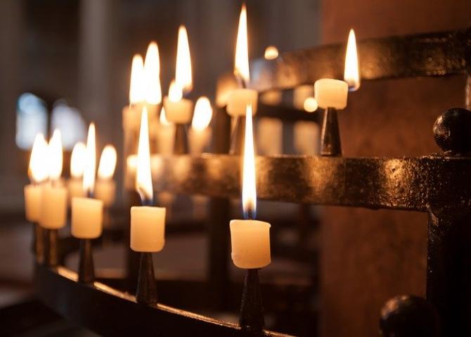 Lumânări  FOTO: Pixabay