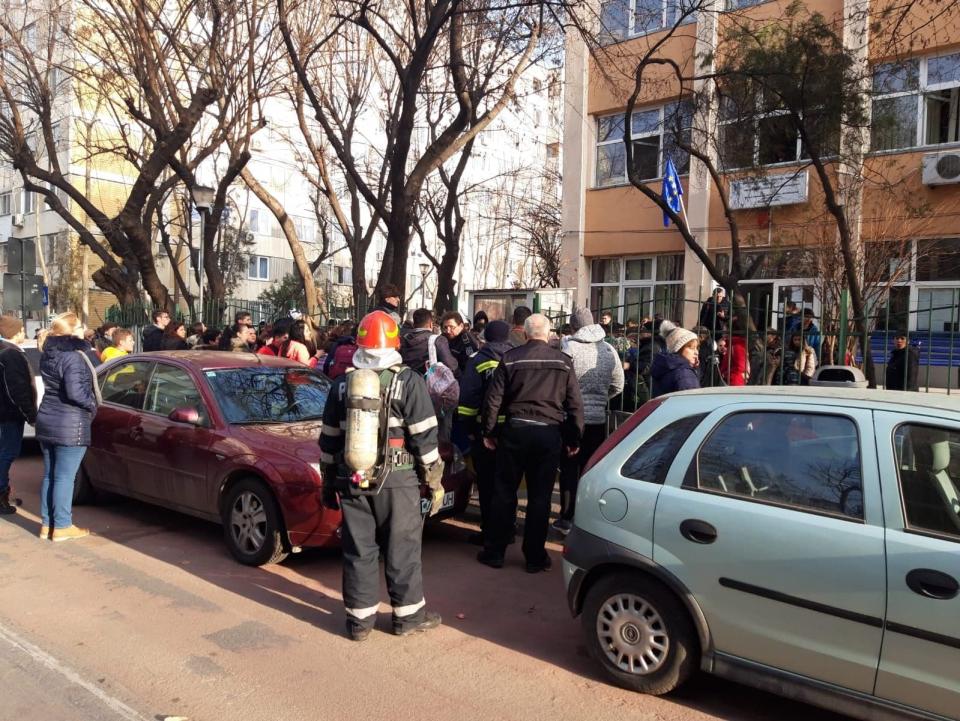 Școala 133 București  FOTO: ISU București