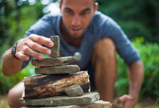 Echilibrul interior se construiește ca un turn din mai multe materiale