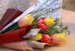 De 1 și 8 Martie dăm sau primim flori, dar nu ne pupăm!