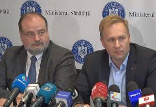 Ministrul Sănătății Victor Costache și secretarul de stat, Horațiu Moldovan  FOTO DC Medical