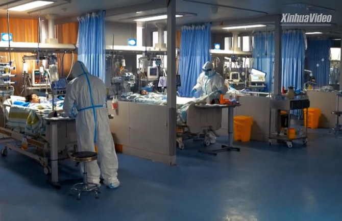 Pacienți cu COVID-19 internați la ATI. Foto: Xinhua Video