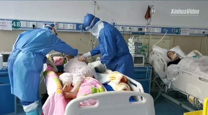 În China, unde a izbucnit epidemia, zeci de mii de pacienți sunt infectați cu coronavirus. Foto: Xinhua Video