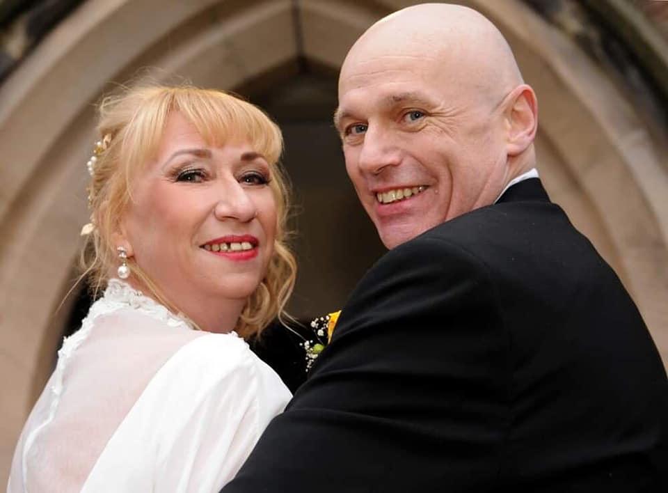Alan Steele a fost separat de noua sa soție Wendy după ce a fost diagnosticat cu coronavirus. Foto Facebook.