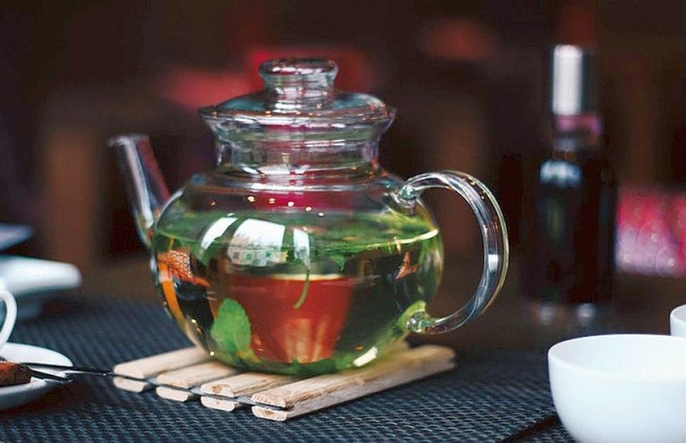 """Ceaiul verde și exercițiile fizice """"slăbesc"""" ficatul"""