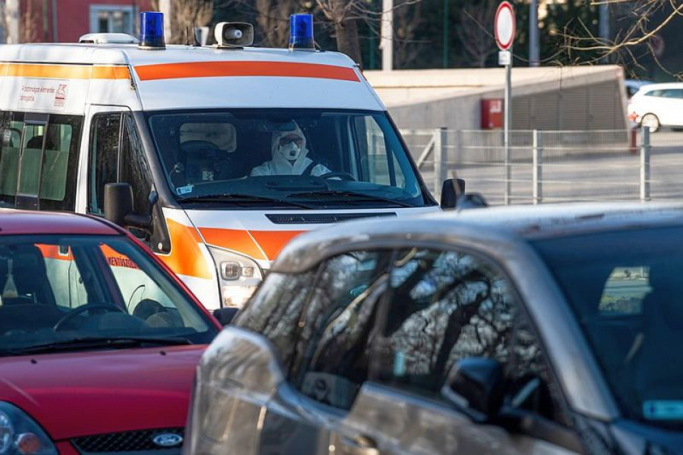 Coronavirus, salvare în trafic. Foto: MTI