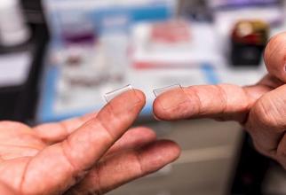 Plasturele-vaccin cu 400 de micro-ace