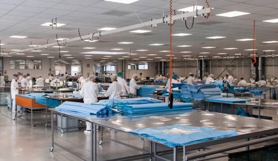 Hală de producție a firmei din Cisnădie. Foto: Facebook