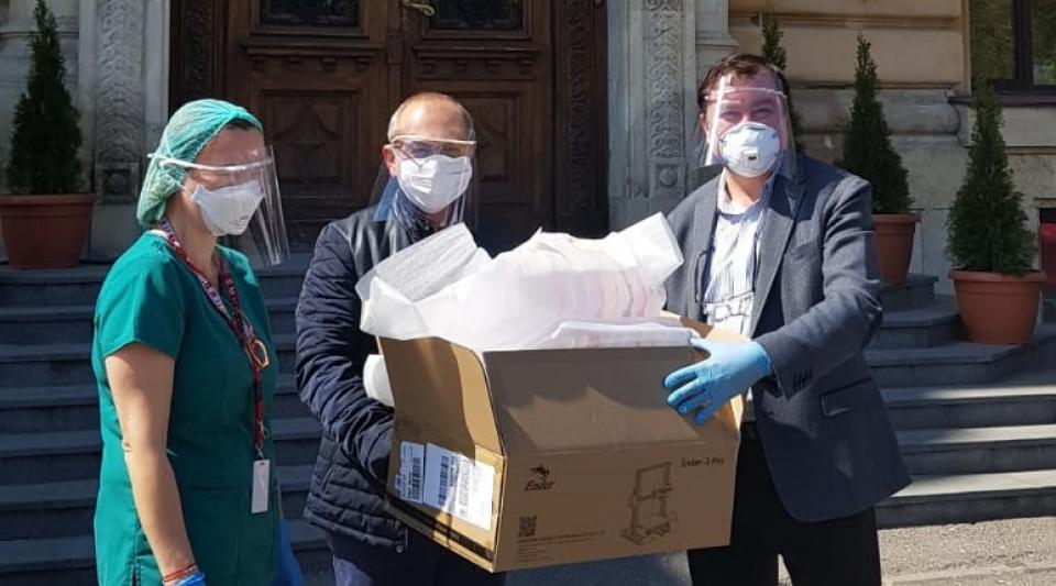 Viziere medicale făcute de studenți de la UMF București și Politehnică
